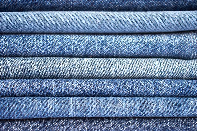 kurtka jeansowa stylizacje